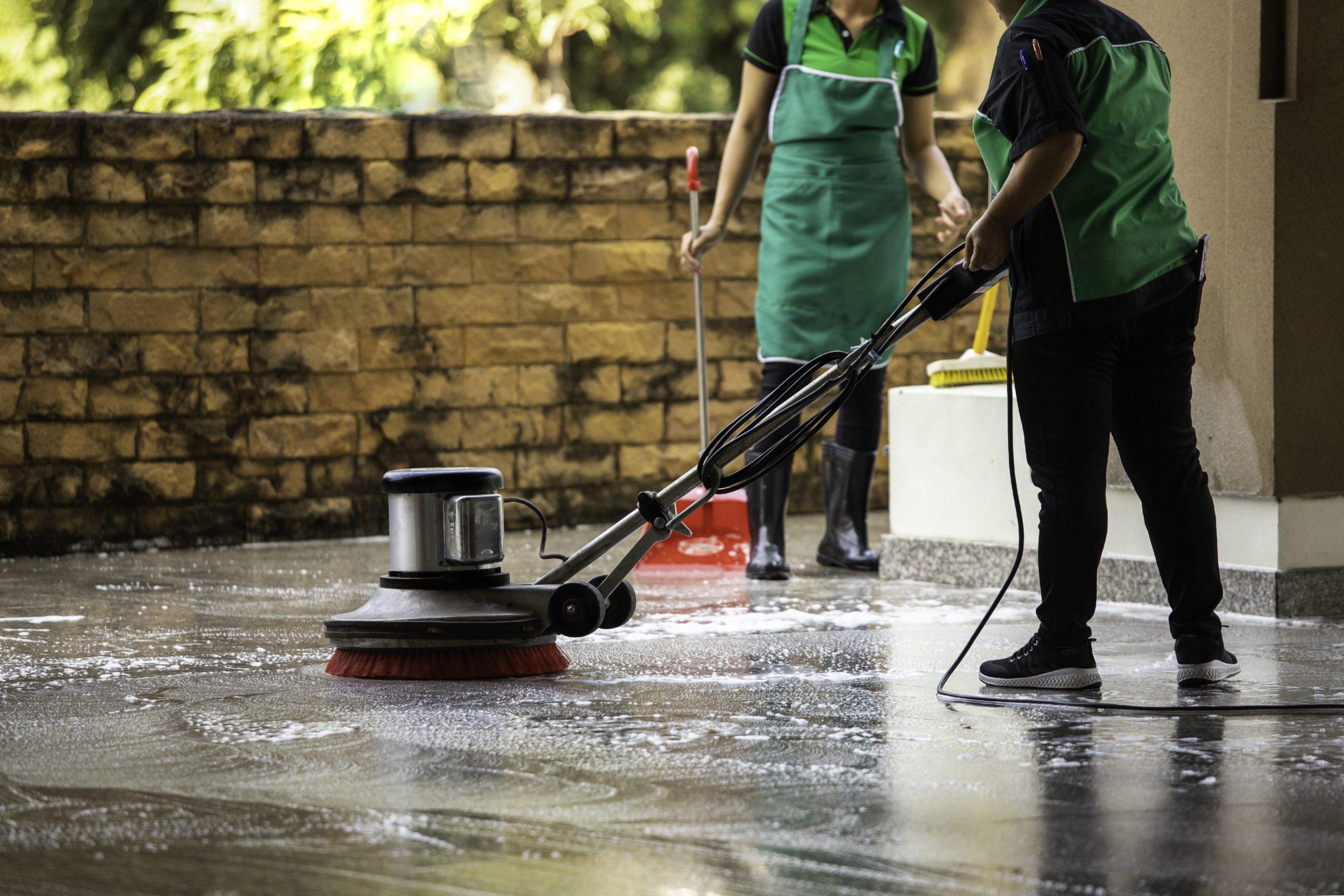 Lavaggio di pavimento industriale